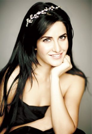 princess Kaif singapore is star Bollywood perfect headband  balenciaga a Katrina in diamond