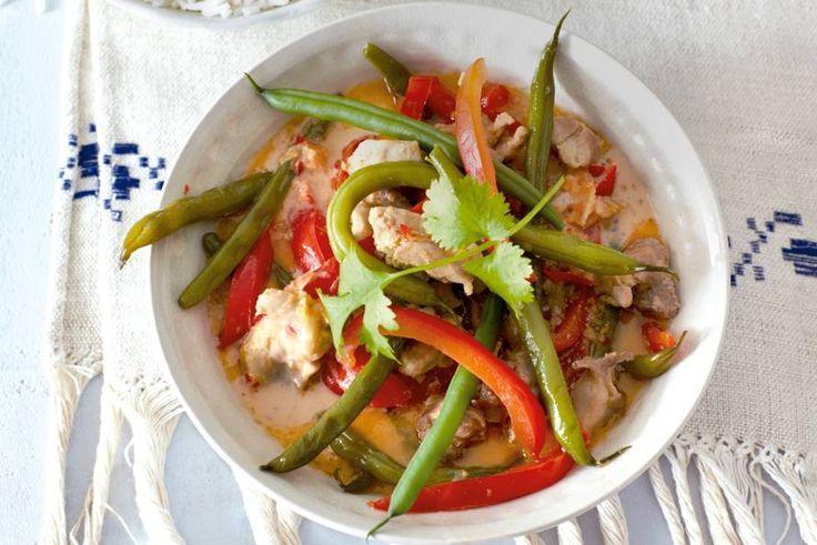 Kijk wat een lekker recept ik heb gevonden op Allerhande! Rode curry met kip en boontjes