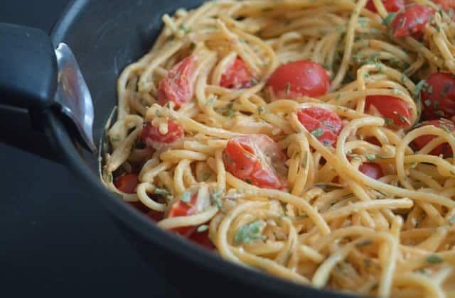 Les spaghettis tomates/crème de coco—Recette végane qui fond dans la bouche