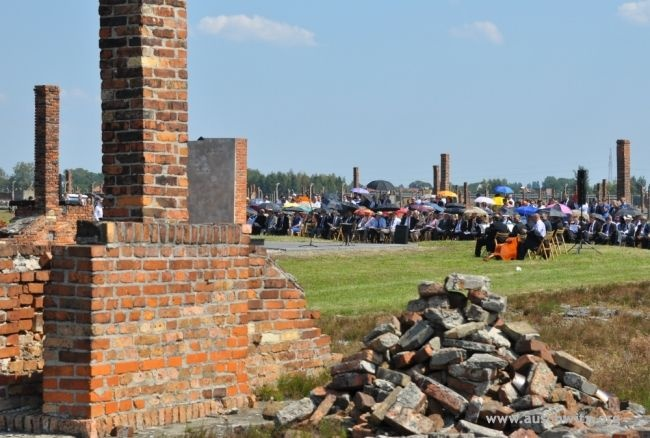 Several hundred people attended the ceremony of the Genocide Remembrance Day of the Roma and Sinti at the former German Nazi Concentration and Extermination Camp Auschwitz II-Birkenau. The ceremony was held on 68th anniversary of the liquidation of the so-called Gypsy Family Camp (Zigeunerfamilienlager) on August 2. On the night of 2 to 3 August 1944, the Nazis murdered in gas chambers in Birkenau nearly 3000 children, women and men.