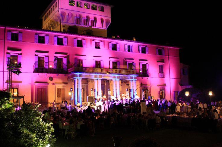 Wedding at Villa di Maiano in the Tuscan hills. All Rights Reserved GUIDI LENCI www.guidilenci.com