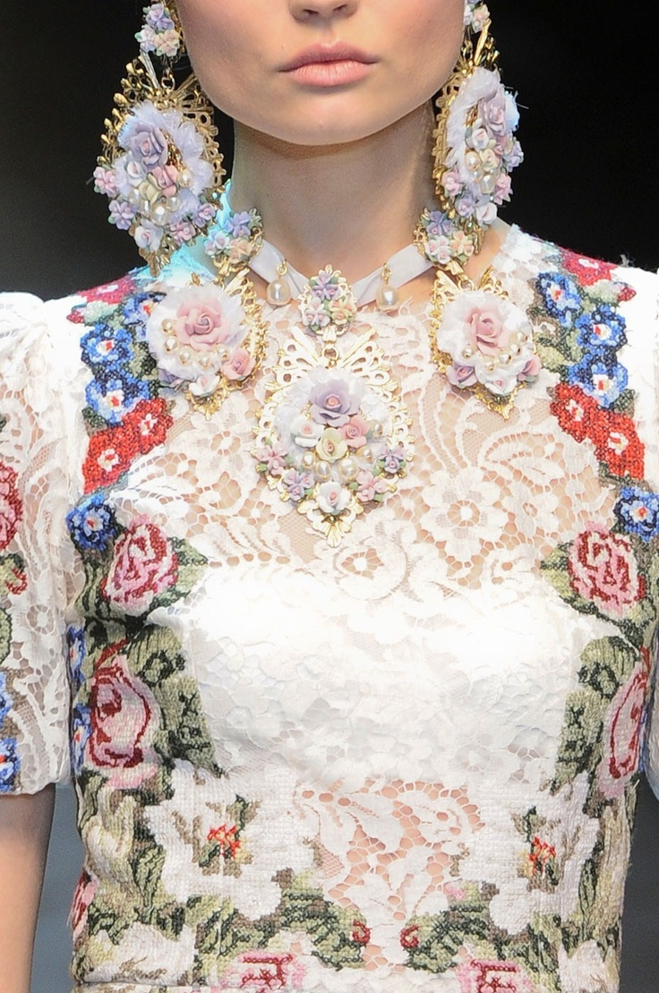 Dolce & Gabbana Fall 2012 tapestry / embroidery dress