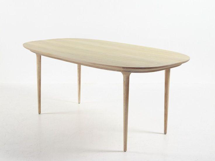 Tavolo da pranzo ovale in legno Collezione Lunar by STELLAR WORKS   design Space