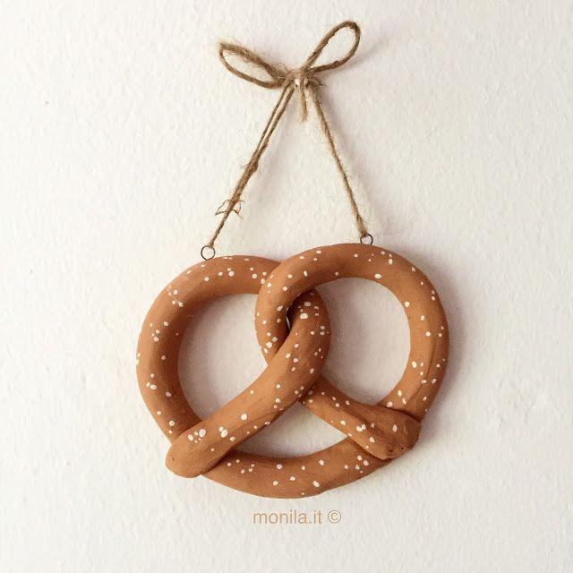 Monila handmade,bretzel,Pretzel,terracotta ,