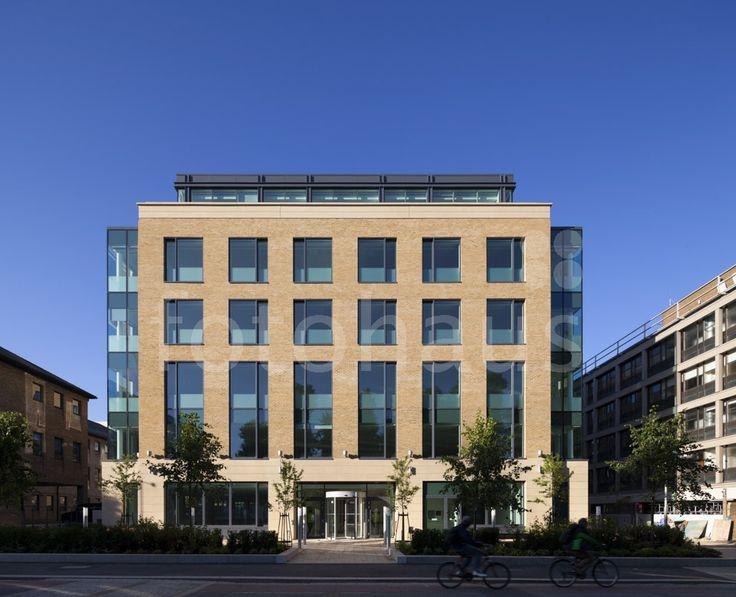 22 Station Road office building in Cambridge (Great Britain) / Budynek biurowy 22 Station Road w Cambridge (Wielka Brytania).