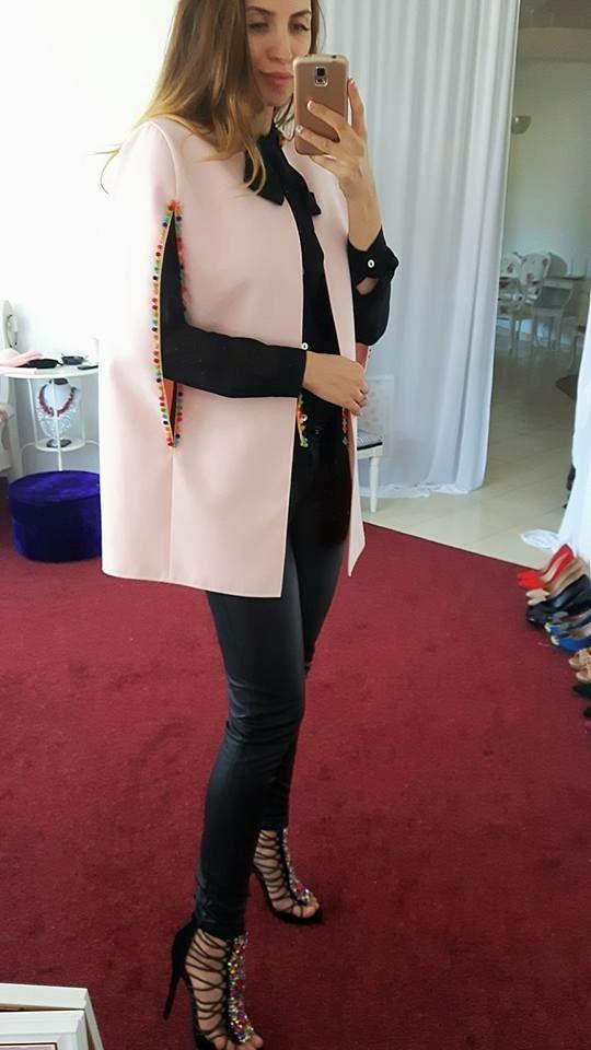 #boutique #blogger  #blazer #fashion #style #winter #coats #autumn #womenclothing #outerwear  #personalshopper