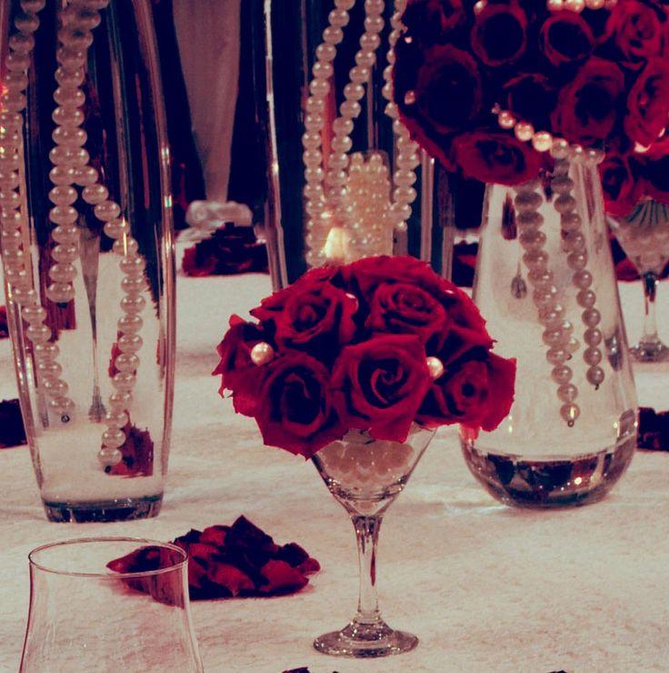 very pretty....Wonderful Martini Glass Centerpieces