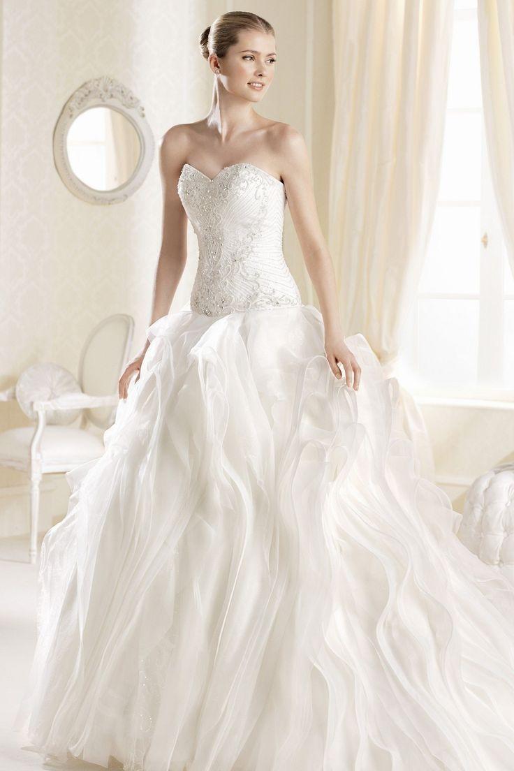 Lovely LaSposa Inaya Purchase the sample at off retail Call Dior bridal
