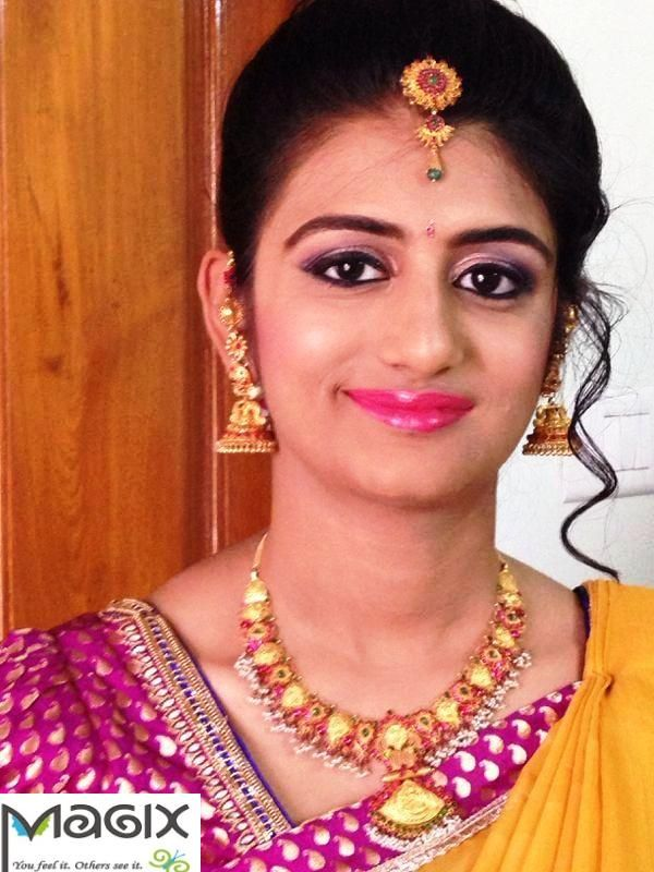 Traditional Bride Makeover : southindian bridesmaid wearing traditional necklace ...