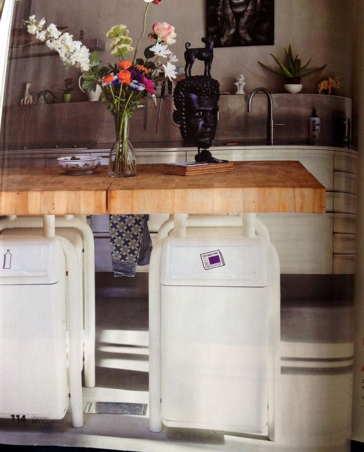 Trashcans reused in kitchen: stylish way to recycle / VT wonen