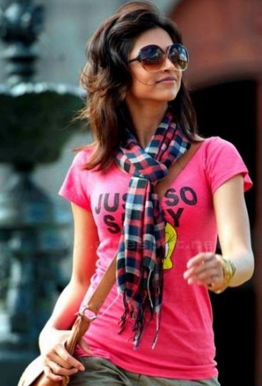 Gorgeous Deepika Padukone loves wearing big, wide-sunglasses - her ultimate style mantra! What's your style?