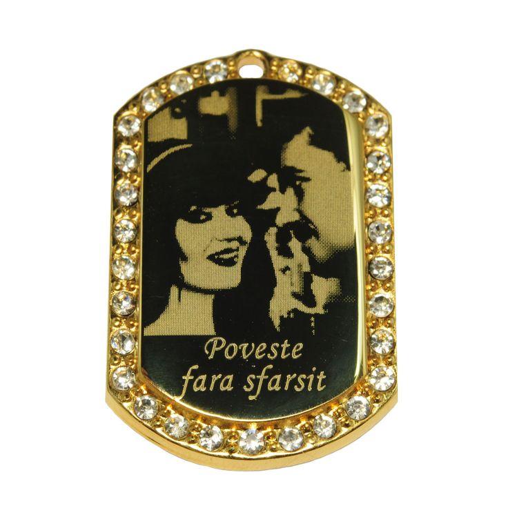 bijuterie personalizata prin #fotogravura http://www.cadouripersonale.ro/Pandantiv-gravura-placat-cu-aur-CZ-p-16736-c-379-p.html
