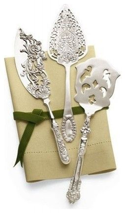 This silver-plated serving set comes with a cake knife, a pie server, and a slotted server