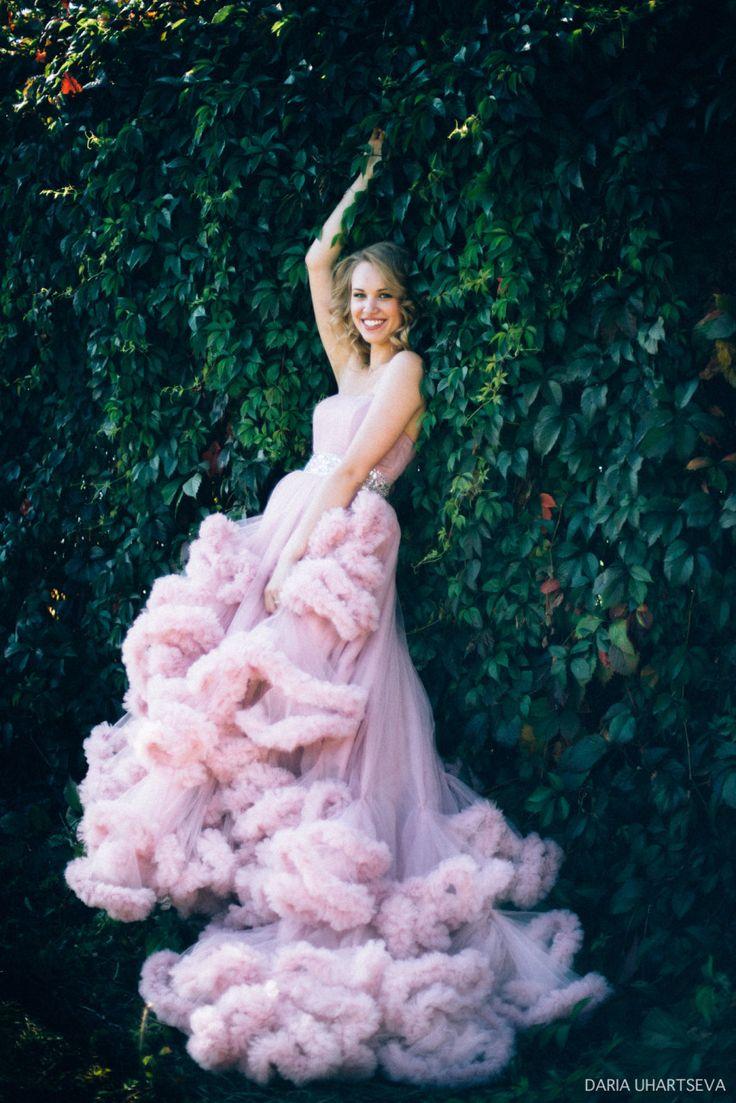 этом позирование для фотосессии в платье облако арену социальных сетей