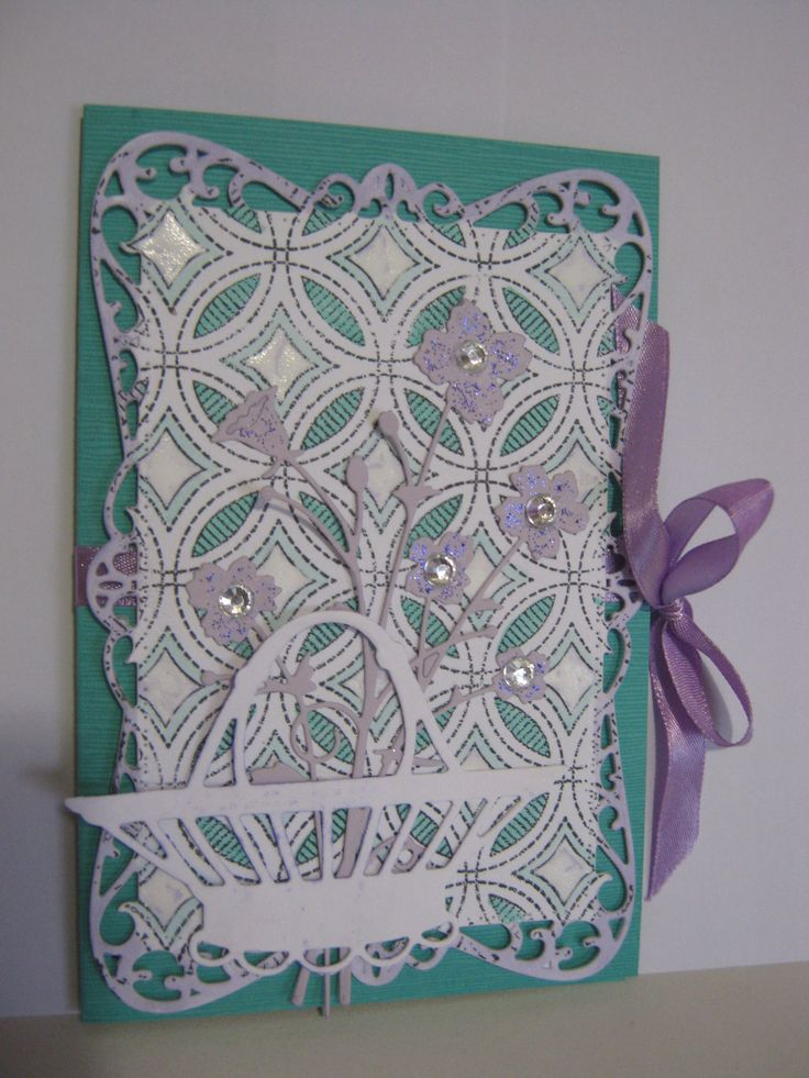Made with Spellbinders, Memory Box and Marianne Designs dies. Love the background stamp.