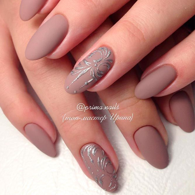 21 Cool Nude Almond Nails Designs For An Exceptional Look