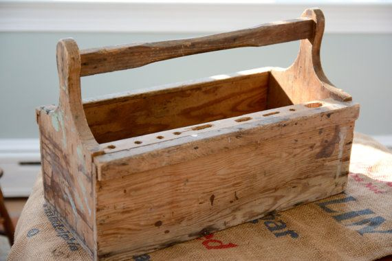 Herramienta de madera primitiva caja carrito revista por MRCG