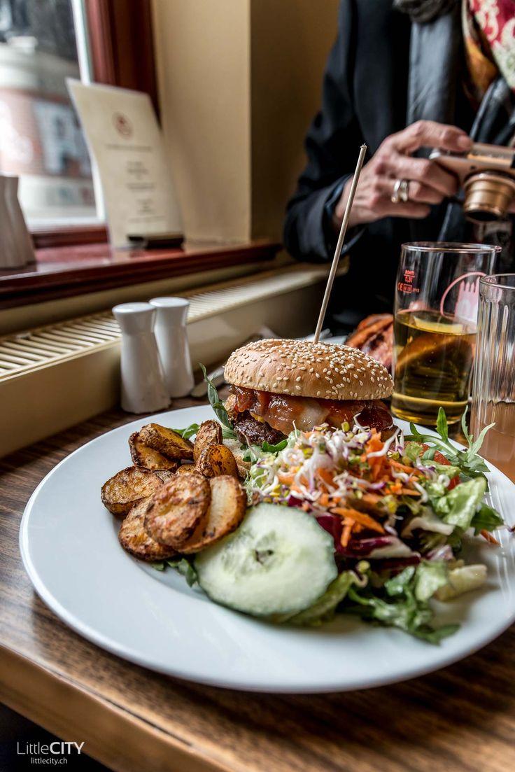 Hamburg Restaurant Tipps - Oberhafenkantine Hafen City - Burger 🇩🇪