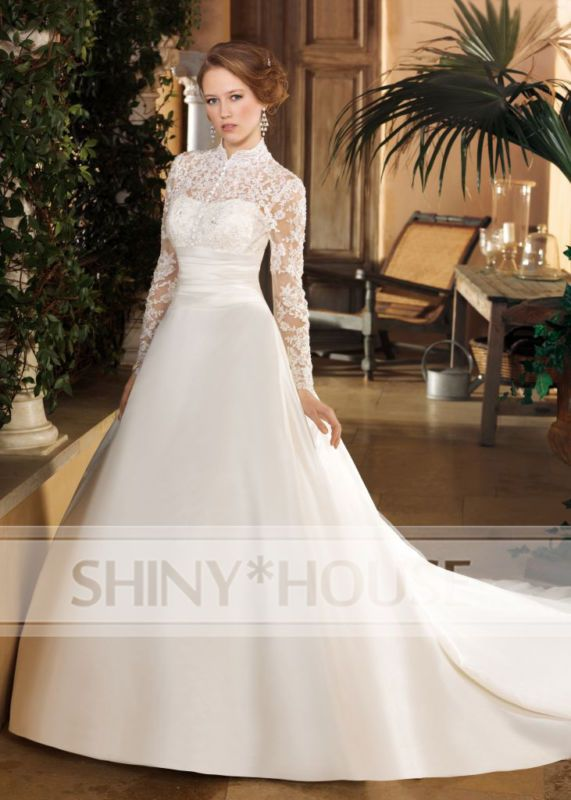 Beaded Turtleneck Wedding Dresses_Wedding Dresses_dressesss