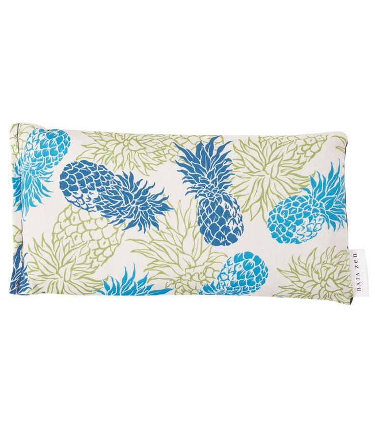 With a relaxing scent and soothing relief, this is one product you can't say no to. The Pineapple Yoga Eye Soother Pillow helps you relax and soothes headaches or stress, promoting a full night of sleep.
