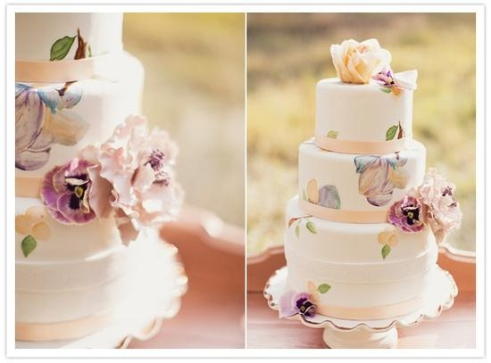 Soft peach and lavender wedding cake #wedding #cake #garden #peach #lavender #details