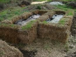 Worm Bedding for Nightcrawlers | Above ground hay-bail insulated worm beds keep worms protected from ...
