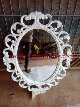 Cermin Hias Ovale Klasik Putih