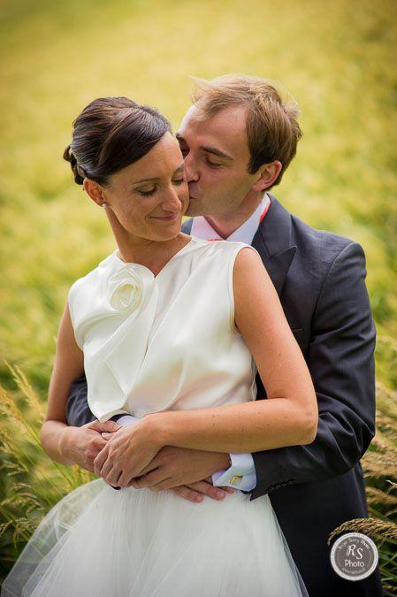 Mariage - photo de couple dans les herbes...