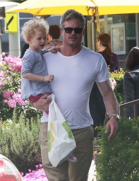 Eric Dane Photos Photos - 'The Last Ship' actor Eric Dane and his daughter Billie stop for lemonade in West Hollywood, California on April 15, 2013. - Eric Dane Carries His Daughter