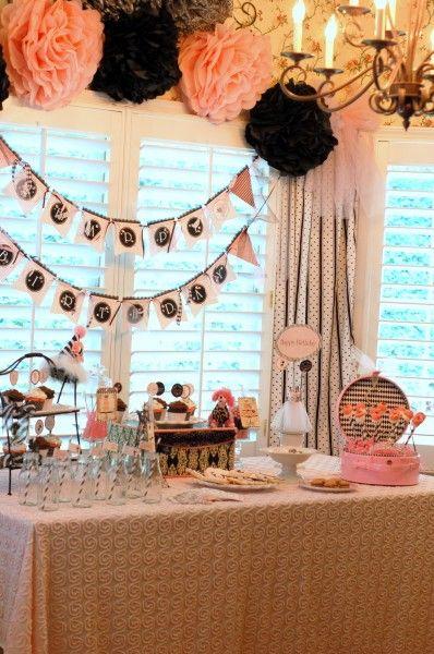 decorations paris party: Paris Parts, Catch My Party, Birthday Parties, Paris Theme, Paper Flowers, Decor Paris, Parties Ideas, Pom Pom, Parisians