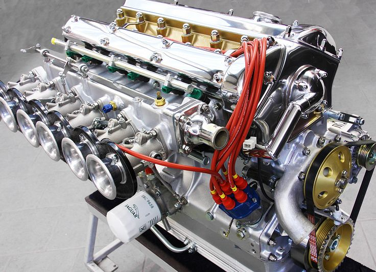 A truly amazing straight 6 engine for the Eagle Speedster (a tribute to the Jaguar E-Type)  amazing
