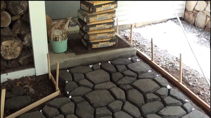 Cobblestone Walkway Installation June 2011 So doing this at the new house. Love how he made it so easy to follow. Alot of help Thank you