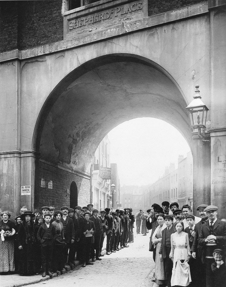 Lost London, ca. 1900s-1910s Arch, Shepherd's Place, off White's Row, now Tenter Ground, Spitalfields, 1909.