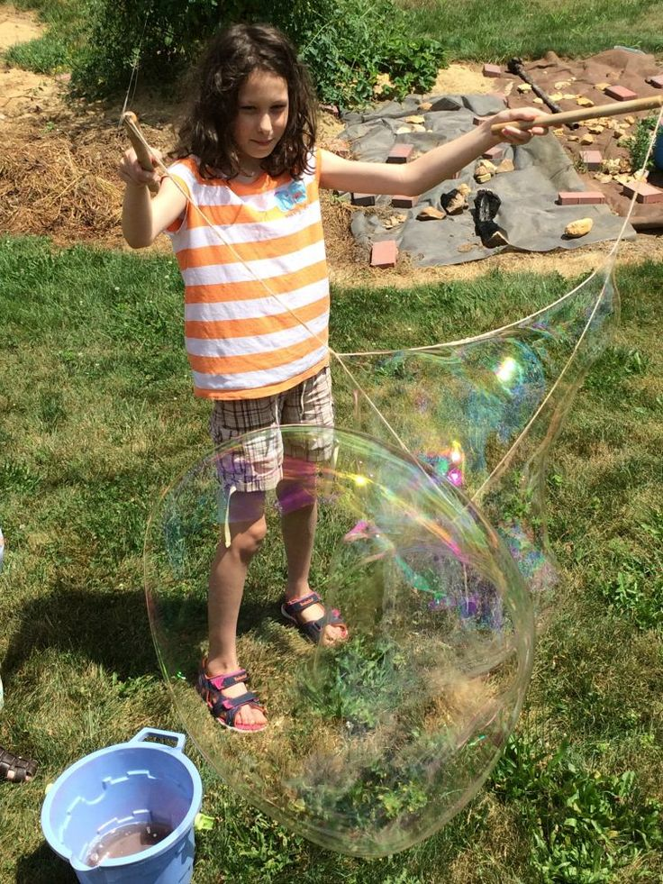 DIY Giant Bubbles recipe & string! We LOVE this and its so much fun!