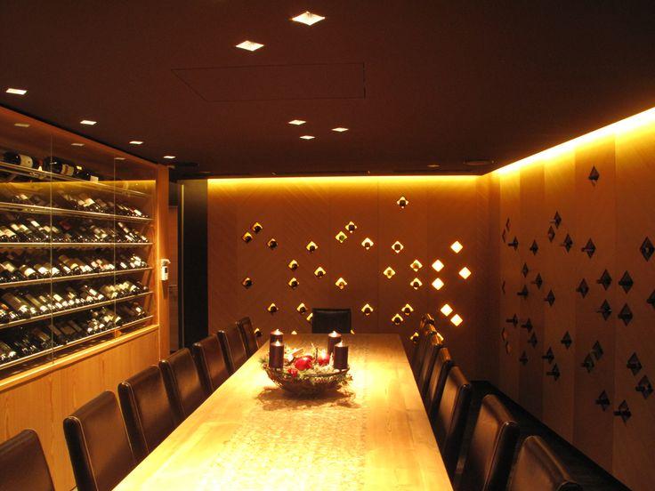 salle vinotheque/ lenzerhaide lounge restaurant switzerland/ dooi studio