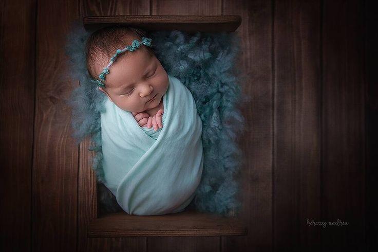 @herczegandreaphotography  #photoprops #handmade #handcraft #newbornphotpgraphy #newborn #photography #newbornphotoprop #newbornphotoprops #newbornprops #etsyshop #etsy #propshop #prop #woolanddreams #wool #mik #rts #woolblanket #Blankets #feltedfur #curlylayers #green #teal