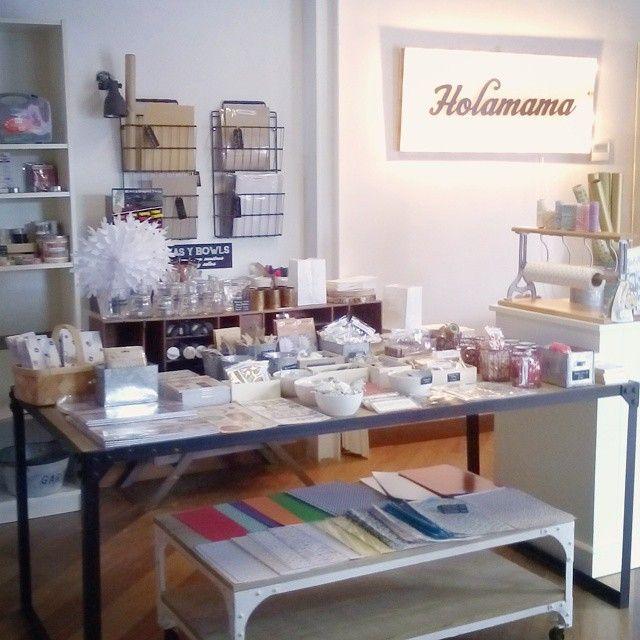 Tiendasbonitas Que Descubrir En Madrid Holamamastore Es Mucho Más Que Una Tienda De Manualidades O Papel Tiendas De Manualidades Mercados Navideños Tiendas