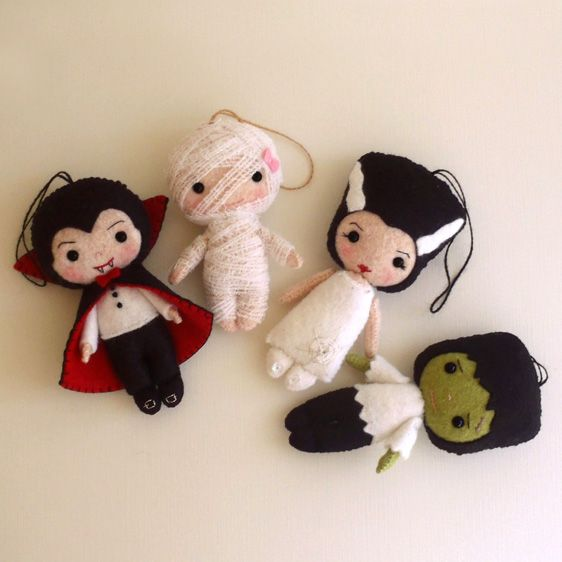 LOVE these Halloween dolls or ornaments sewing patterns! all hand-sewn.