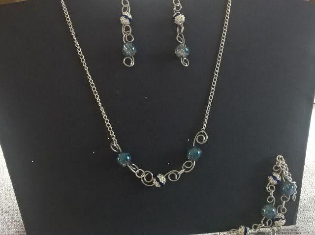 Pasje i eksperymenty: Biżuteria z błękitnym kamieniem księżycowym
