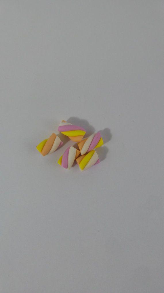 Guarda questo articolo nel mio negozio Etsy https://www.etsy.com/it/listing/286203097/ciondoli-mini-mini-marshmallow