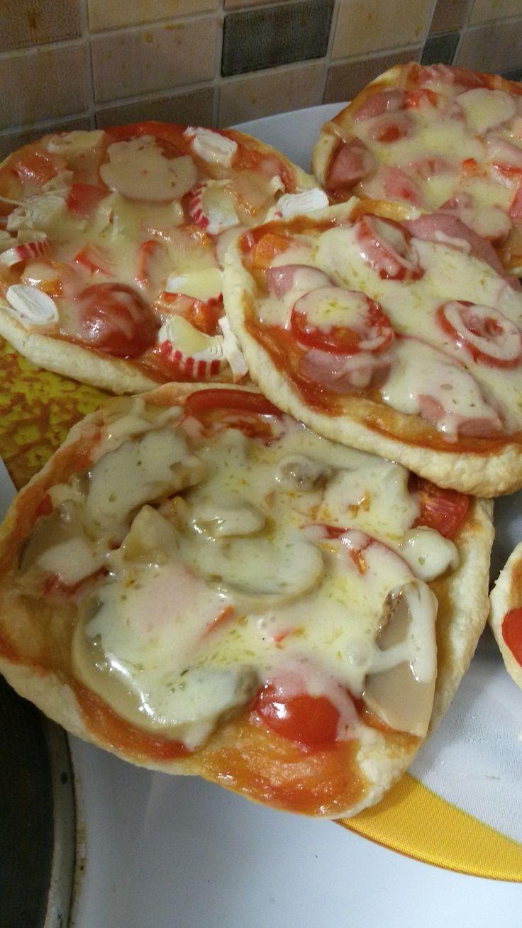 Мини-пиццы с ветчиной рецепт с фото