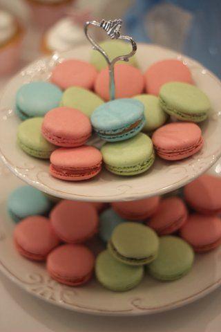Invista nos tons candy, são os tons pastéis e use nos doces para decorar!