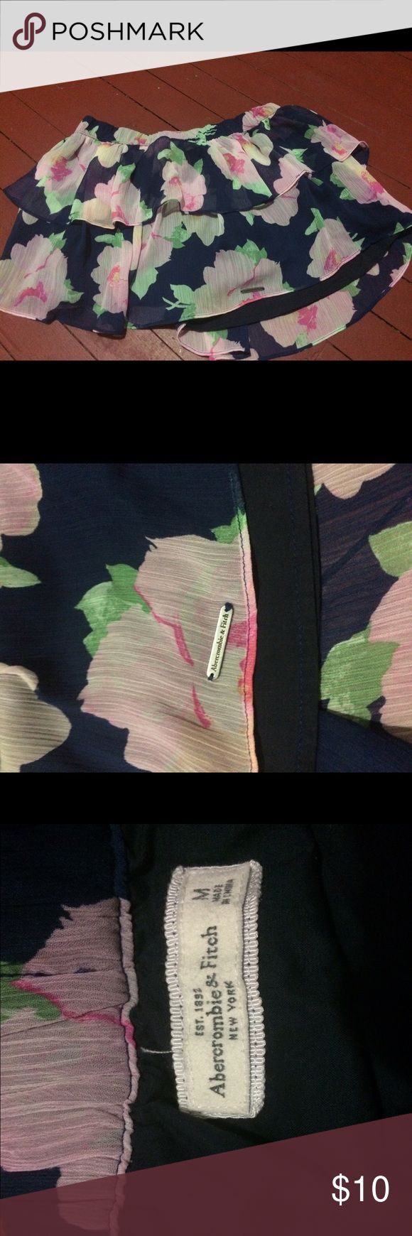 Abercrombie and Fitch Floral Skirt Size Medium Abercrombie & Fitch Skirt Size Medium execellent pre owned condition. Has a little logo on skirt hem. Abercrombie & Fitch Skirts
