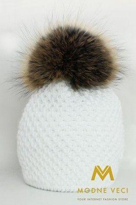 Dámska čiapka s brmbolcom z pravej kožušiny  -snehovo- biela 3186