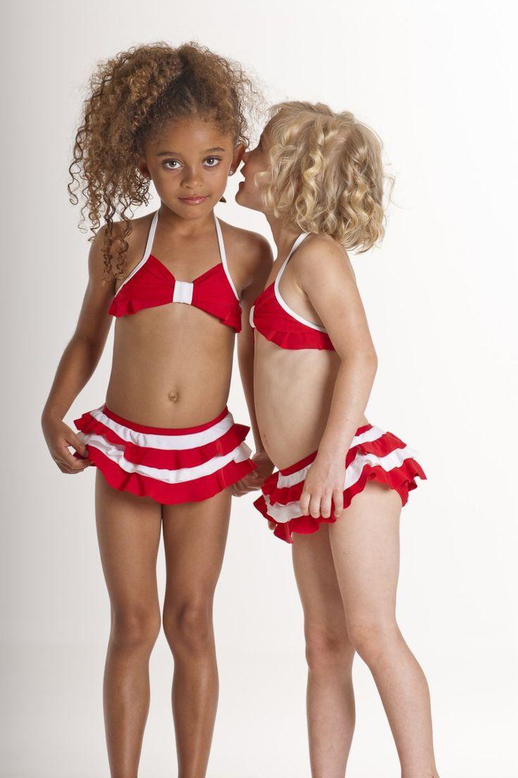 trek-identical-twin-little-girls-in-bikinis-girls-getting-creampie