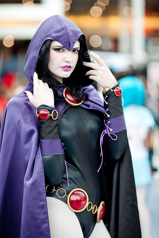 Teen Titans Raven Cosplay