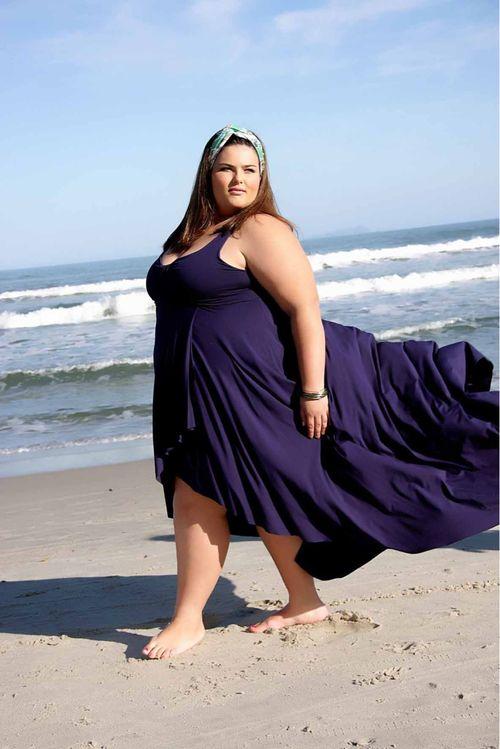 Big curvy plus size women are beautiful fashion curves for Big beautiful women picture