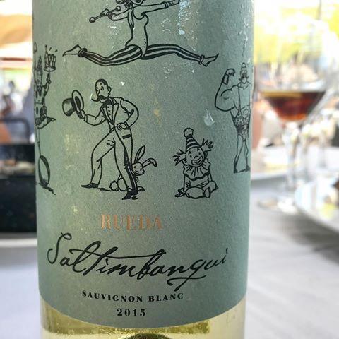 En @merenderodelamari  #saltimbanqui : Este #vino #verdejo de #rueda es ideal para por ejemplo un arrocito mirando al mar... #vinoblanco #vinoderueda #dorueda #añada2015  #sommelierjovedi #elmerenderodelamari
