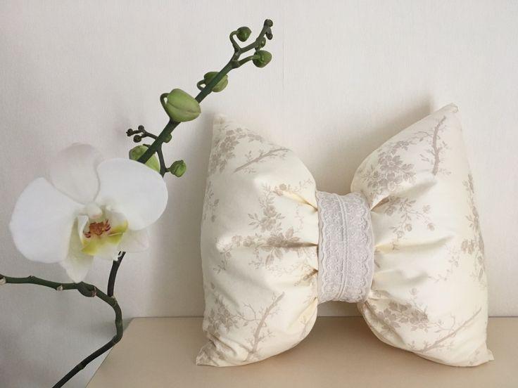 Decorative pillow bow cotton with lace element