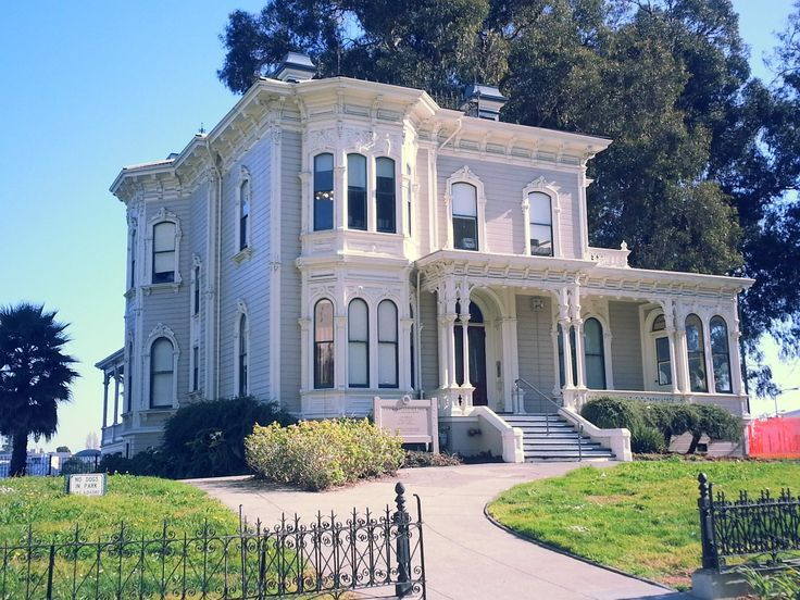 1591 best victorian images on pinterest homes for sale for Italianate homes for sale